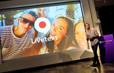 yahoo unveils its messaging with video texting app