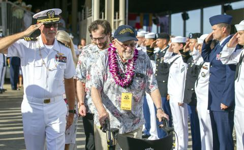 thousands attend pearl harbor 75th anniversary taipei times