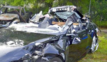 US ends Tesla fatal crash probe with no recalls or fines