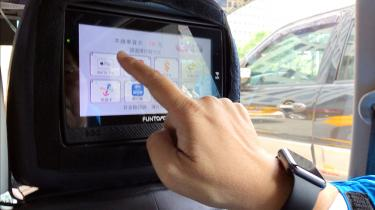 how to use apple pay in a taxi