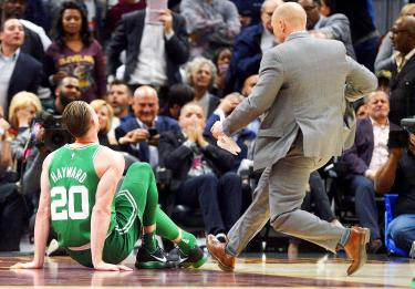 Hayward injured; Celtics lose 102-99