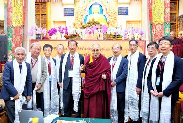 Dalai Lama says visit possible for science event - Taipei Times