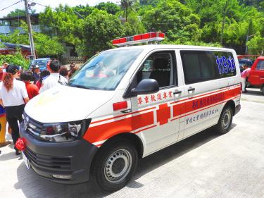 People face fines for making trivial ambulance calls