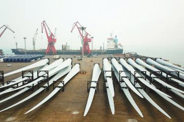 China's exports rise, but imports shrink for a fourth month