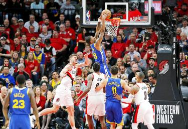 Warriors sweep to fifth straight Finals