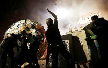 Police, protesters face off anew in Hong Kong clashes