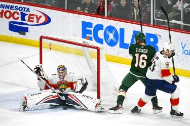 Last Gasp Acciari Goal Lifts Panthers Over Wild Taipei Times