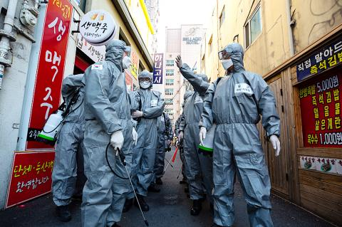 S. Korea hits back with countermeasures in response to Tokyo's entry restrictions