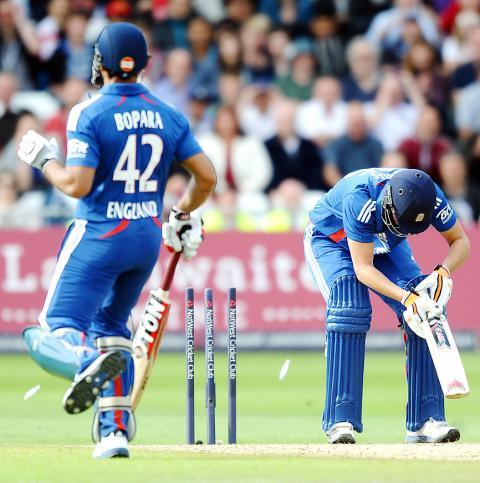 Hales stars as world champions beat the West Indies - Taipei Times