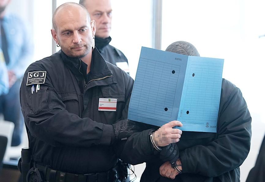 Jail terms for neo - Nazi  terror group  in Germany