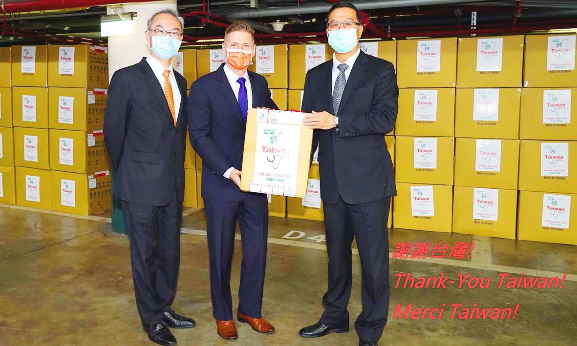 Virus Outbreak: Taiwan donates half a million masks to Canada