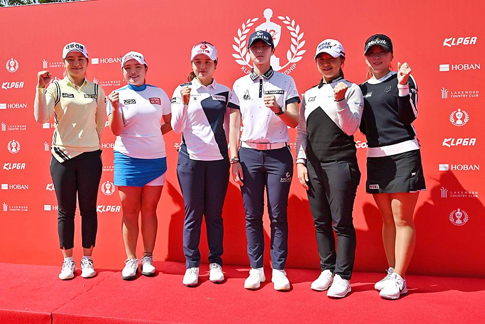 Facemasks, silence and social distancing as pro golf resumes in S. Korea