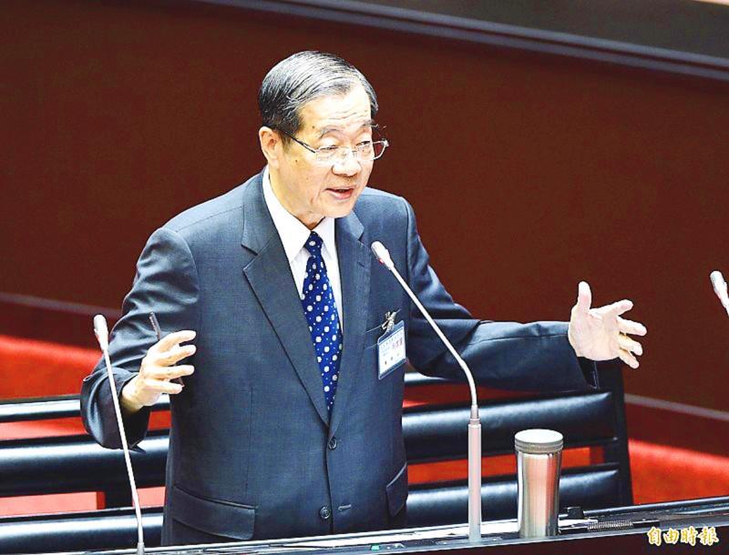 Legislators quiz nominee Huang