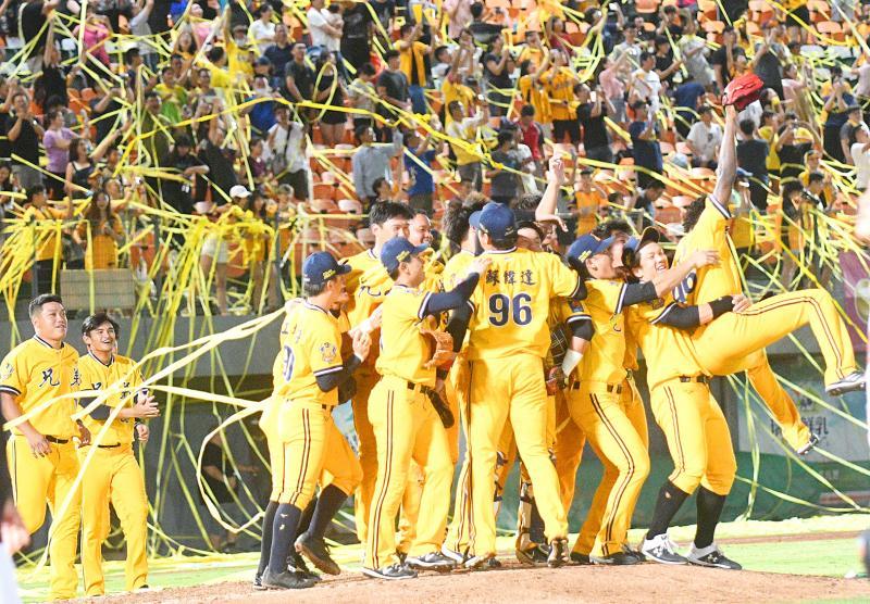 CTBC Brothers clinch half-season title in CPBL