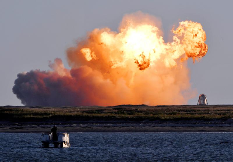 SpaceX prototype 'success' ends in fiery crash landing - Taipei Times