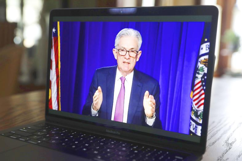 Fed vows to keep stimulus flowing