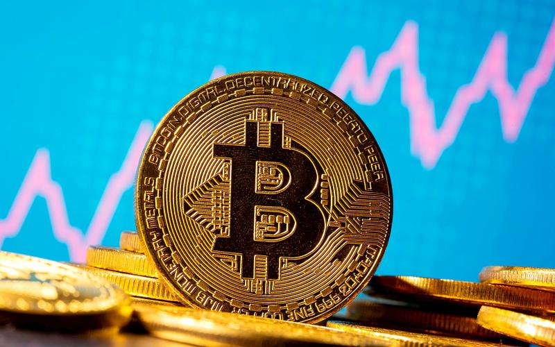 Sets Another All-Time High in December by Breaking $28,500 — Bitcoin Is Flexing