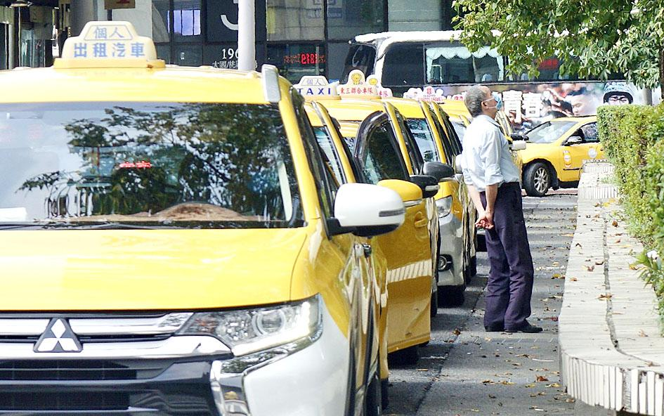 COVID-19: Taipei cabbies can double as deliver drivers: mayor