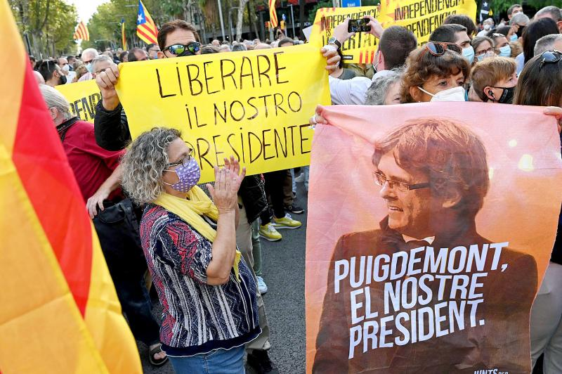 Puigdemont must face justice: Spanish PM